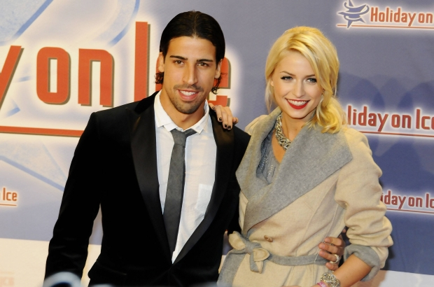 Bildnummer: 09007705  Datum: 13.11.2011  Copyright: imago/Strussfoto  Sami Khedira (Real Madrid / GER) und Freundin Lena Gercke - Das Topmodel und der Fussballer Holiday on Ice Gala Premiere SPEED in der o2 World in Hamburg; premiumd x2x xkg 2011 quer Holiday on Ice Gala Premiere Eis Eishow show o0 people Partnerin, Frau, Freundin, Lebensgef?hrtin Spielerfrau Fussball privat Familie    Image number 09007705 date 13 11 2011 Copyright imago Strussfoto Sami Khedira Real Madrid ger and Girlfriend Lena Gercke the Topmodel and the Footballers Holiday ON Ice Gala Premiere Speed in the O2 World in Hamburg premiumd x2x xkg 2011 horizontal Holiday ON Ice Gala Premiere Ice  Show o0 Celebrities Partner Woman Girlfriend Life companion Players woman Football Private Family