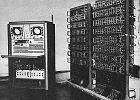 Pierwszy polski komputer zbudowaliśmy z poniemieckiego złomu, rur od karabinów oraz prezerwatyw. 70 lat polskiej informatyki
