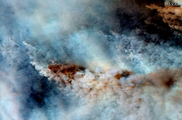 Australia. Pożary widać z kosmosu. Zdjęcie Maxar Technologies.