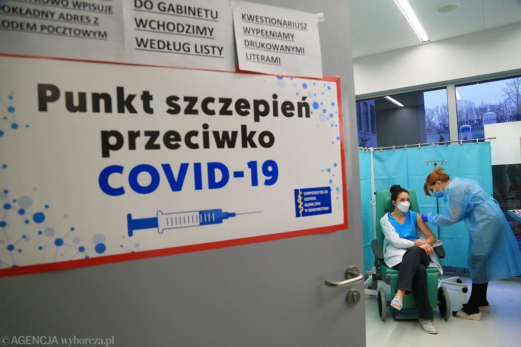 Szczepienia na COVID-19 w Polsce.