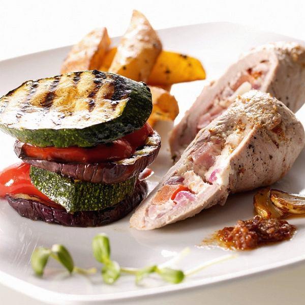 Faszerowane polędwiczki z grillowanymi warzywami
