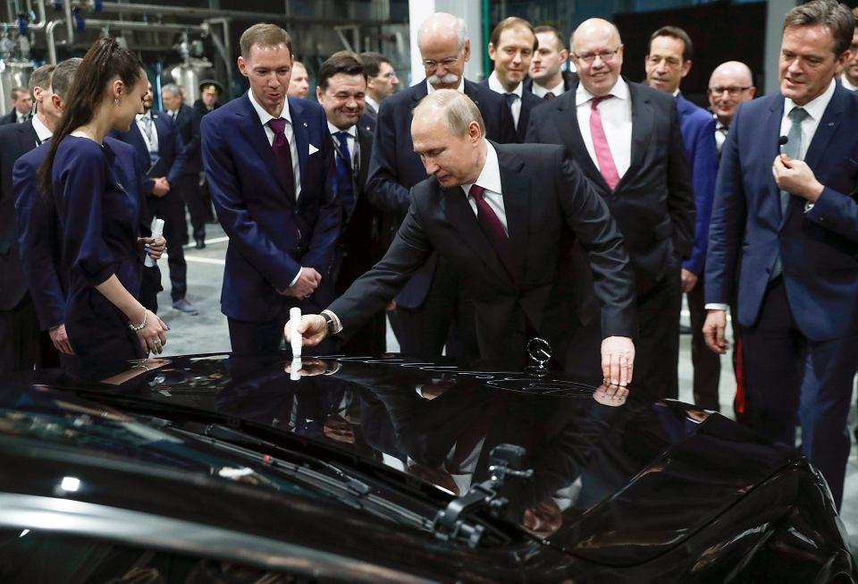 Владимир Путин дал старт производству автомобилей Mercedes