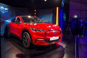 Opinie Moto.pl: Mustangiem Mach-E Ford wchodzi w elektryfikację z impetem