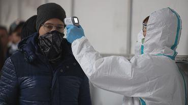 Środki bezpieczeństwa wobec przylatujących z rejonów zagrożonych epidemia koronawirusa
