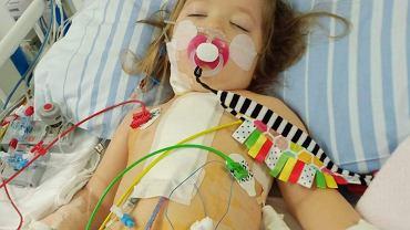 Zosia Bojanowska urodziła się z wadą serca nazywaną potocznie sercem jednokomorowym. Przeszła m.in. trzy skomplikowane operacje na otwartym sercu