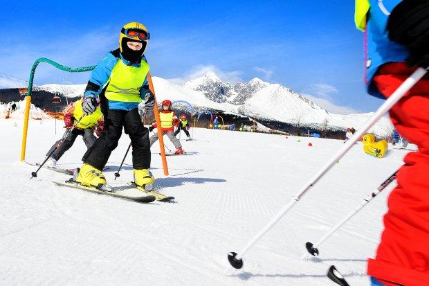 Jak wybrać buty narciarskie dla dzieci? [PORADNIK]