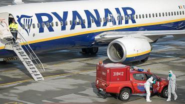 25 lutego 2020 r. Przylot samolotu linii Ryanair z Włoch do Poznania. Tylko pasażerowie przylatującego z tego kraju byli objęci kontrolą sanitarną
