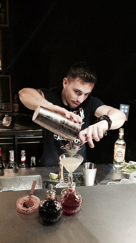 Coctail-bar w Bez Tytułu / Małgorzata Minta