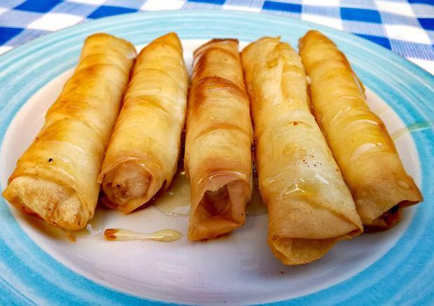 Cypr jedzenie - naleśnik z ciasta filo z miodem (katimeri)