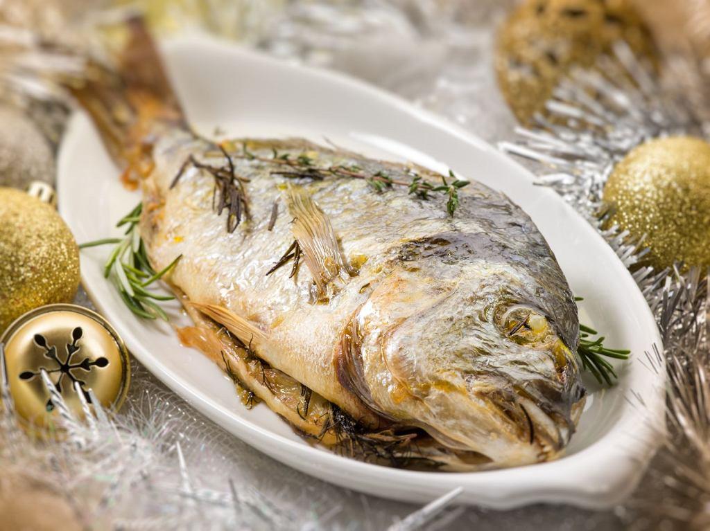 '25% ryb pochodzi z nielegalnych źródeł'. Niektórym gatunkom grozi wyginięcie. Których nie kupować?
