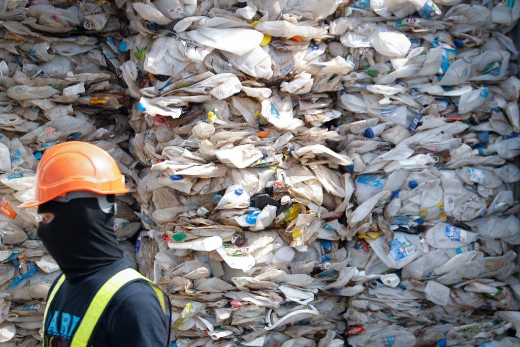 Malezja odeśle śmieci, które nielegalnie sprowadzono m.in. z USA i Wielkiej Brytanii