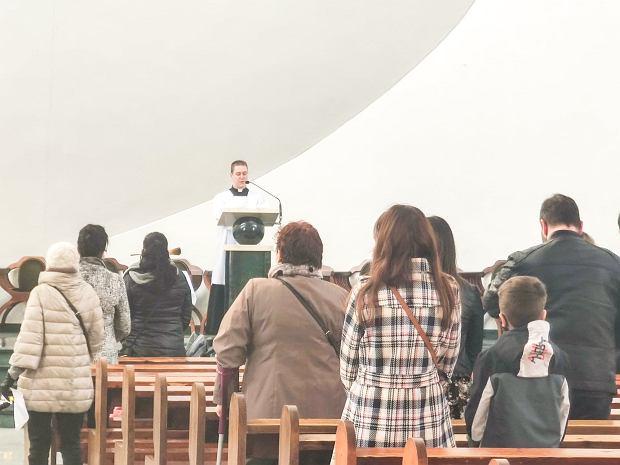 Zdjęcie numer 4 w galerii - Święconka w dobie pandemii. Jak wyglądała w toruńskich kościołach?