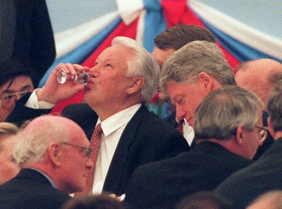 Borys Jelcyn i Bill Clinton podczas obchodów Dnia Zwycięstwa na Kremlu. Moskwa, 9 maja 1995 r.