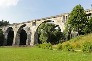 To jedne z najwyższych i najpiękniejszych takich mostów w Polsce. Przypominamy historię mostów w Stańczykach