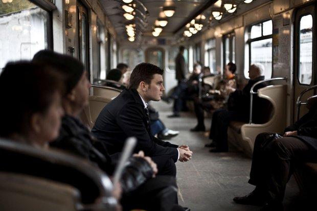 Dmitrij Głuchowski w moskiewskim metrze (fot. materiały prasowe)