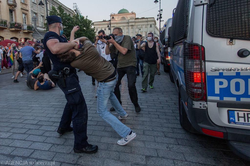 7.08.2020, Warszawa, Krakowskie Przedmieście, blokada aresztowania Margot