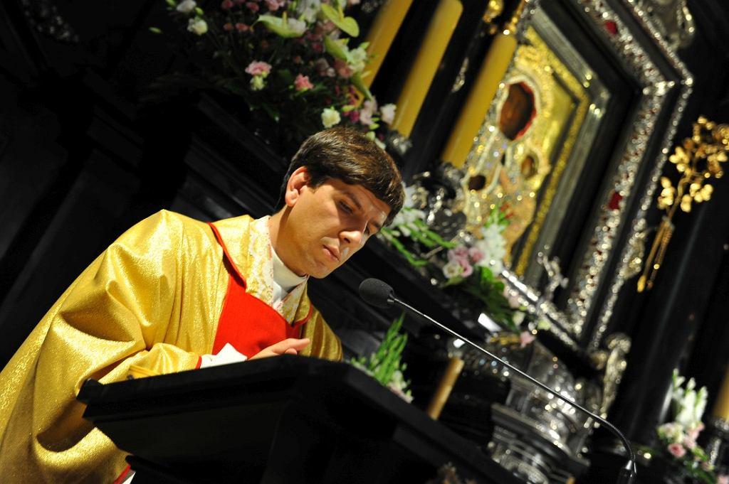 Ks. Tymoteusz Szydło odprawia mszę prymicyjną na Jasnej Górze, 26 czerwca 2017 r.