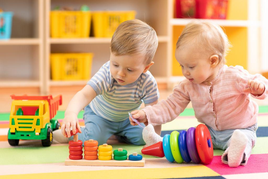 Szukasz zabawek dzieci? Dobierz je odpowiednio do wieku