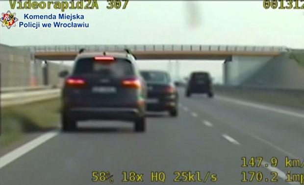 Dziewięciu piratów drogowych pod Wrocławiem. Rekordzista pędził 210 km/h - posypały się mandaty
