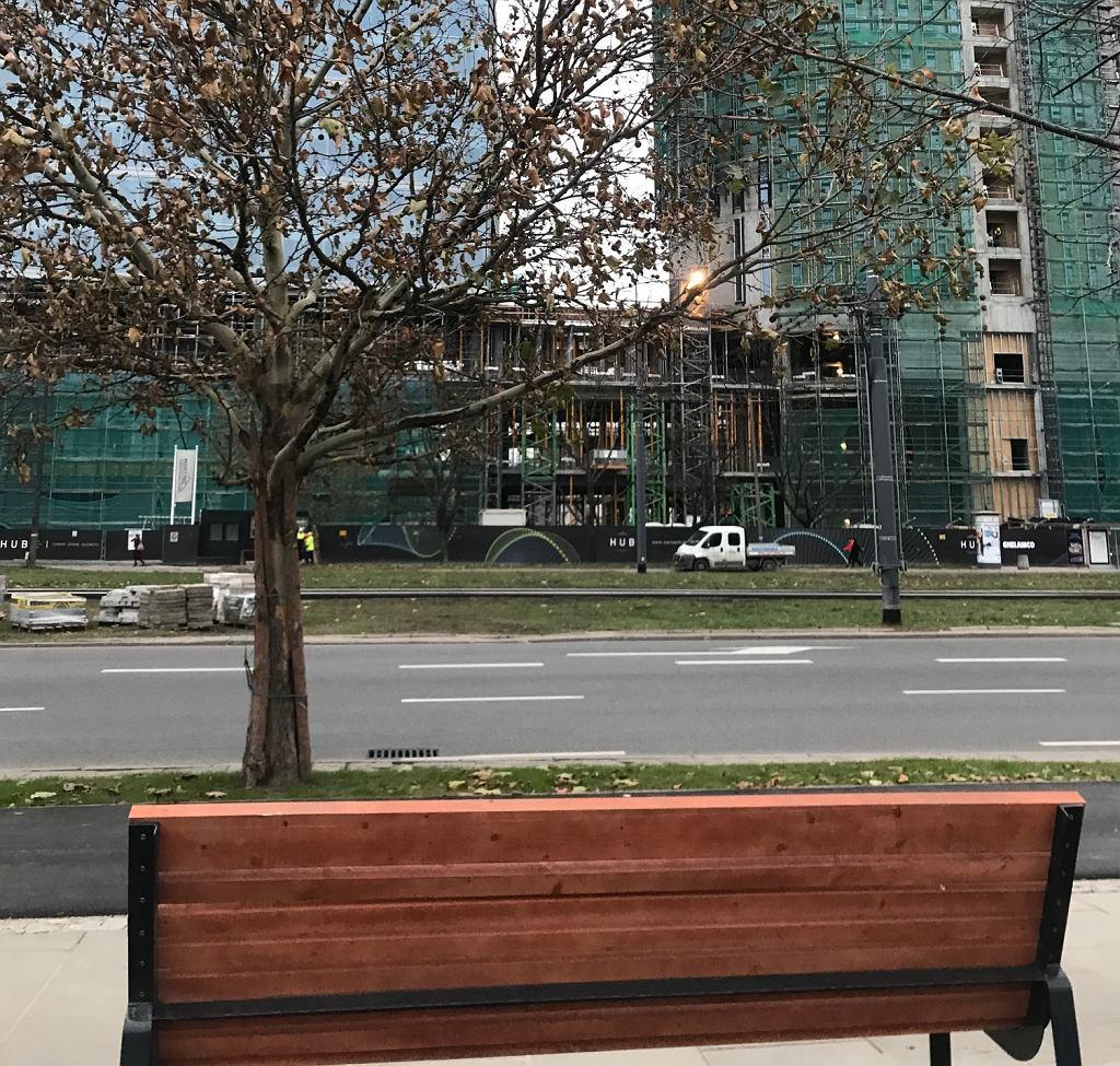 Ławka przy ulicy Towarowej