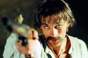 Aleksander Domogarow to Bohun z 'Ogniem i mieczem' którego pokochały wszystkie Polki. Aktor idealnie odwzorował charakter Kozaka, jednocześnie romantyczny i zawadiacki.