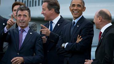 Anders Fogh Rasmussen, David Cameron i Barack Obama podczas szczytu NATO w Walii