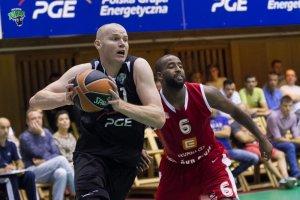 """Jak """"Łapa"""" z Piotrkowa dorósł do Euroligi. Damian Kulig, koszykarz wagi ciężkiej"""