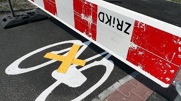 Zamknięta ścieżka rowerowa przy  Jagiellońskiej w Warszawie.