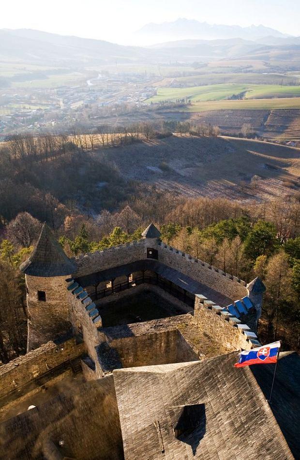 Słowackie zamki - zamek w Starej Lubowli / shutterstock
