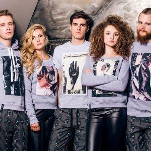 Bluzy z kolekcji Meet The Llama. Cena: ok. 150 zł