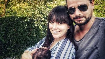 Ewa Farna z mężem i dzieckiem