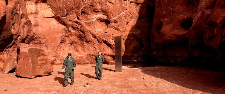 Tajemniczy monolit zniknął z pustyni w USA, ale pojawił się w Rumunii