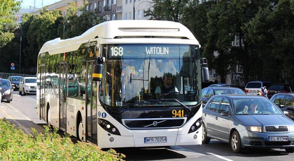 Autobus hybrydowy marki Volvo