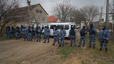 27.03.2019, rewizje w domach Tatarów Krymskich na przedmieściach Symferopola, stolicy Krymu