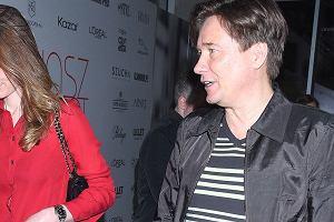 Mariusz Treliński z partnerką na pokazie Łukasza Jemioła