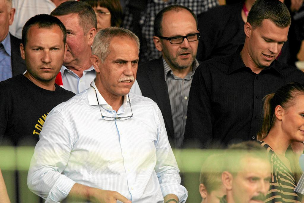 Solorz-Żak od 2009 r. jest właścicielem klubu piłkarskiego Śląsk Wrocław. Na zdjęciu podczas meczu Ligi Europejskiej Śląsk Wrocław - Dundee United, 2011 r. (fot. Mieczysław Michalak / Agencja Gazeta)