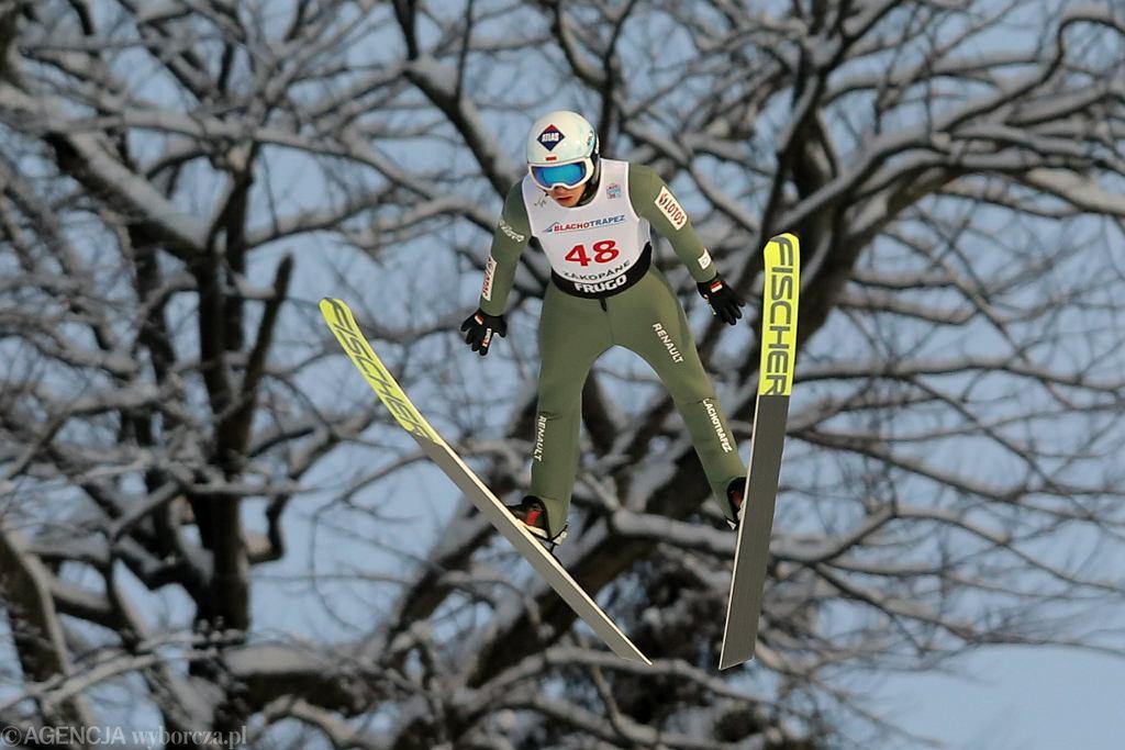 Kamil Stoch podczas zawodów Pucharu Świata w skokach narciarskich. Zakopane, 14 stycznia 2021