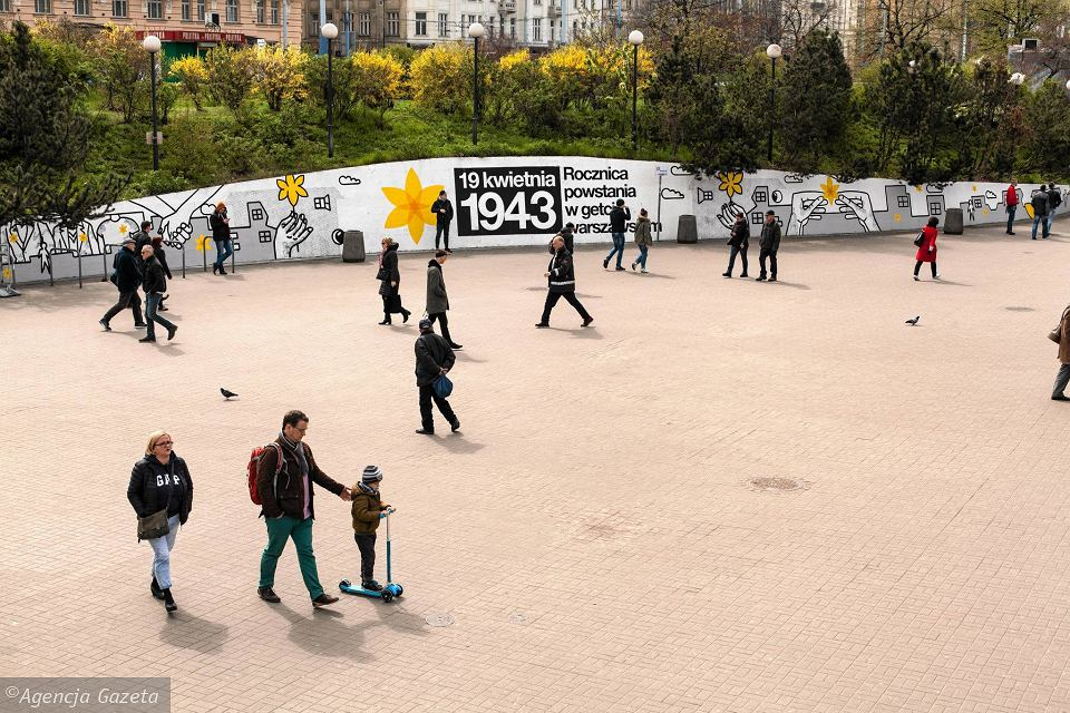 Zdjęcie numer 25 w galerii - Rocznica powstania w getcie warszawskim. Żonkil oznacza pamięć