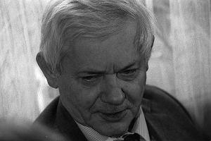 Zbigniew Herbert Wiersze Aktualne Wydarzenia Z Kraju I