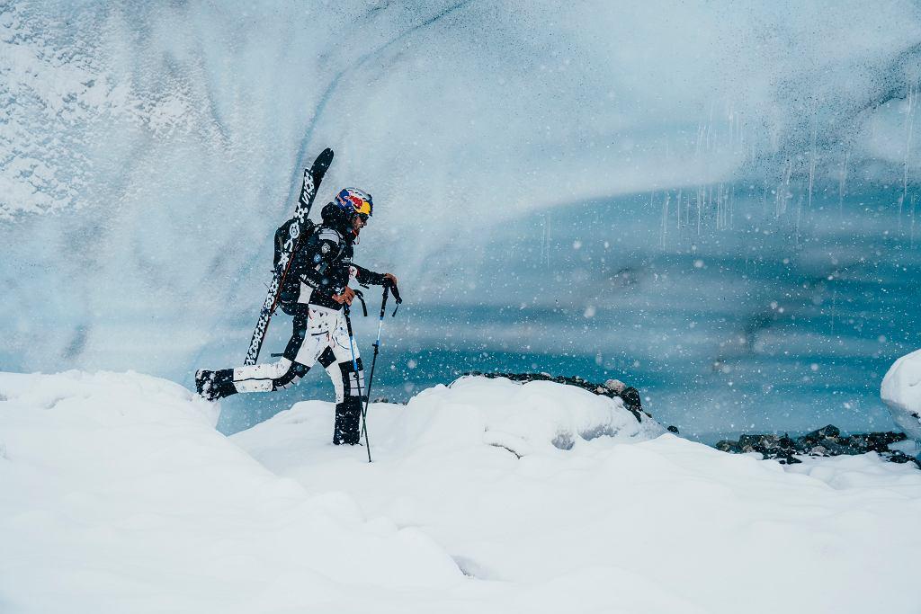 Andrzej Bargiel udaje się w kolejną wyprawę. Chce zjechać na nartach z dziewiczych szczytów