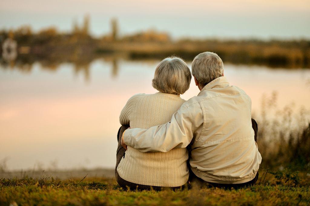 Chcesz wiedzieć, czy twój związek przetrwa próbę czasu? Odpowiedz na te 15 pytań