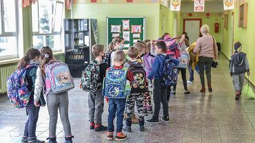 Powrót dzieci do szkoły. Minister Czarnek z radością i entuzjazmem o powrocie