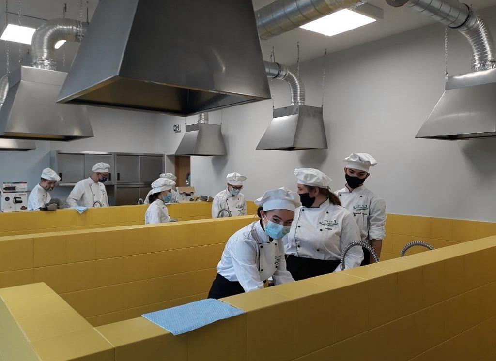 Pracownia zawodowa - restauracja, w Technikum nr 16 przy ul. Szkockiej 64 we Wrocławiu