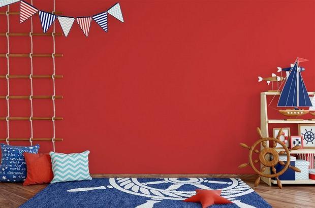 Czerwony  i błękitny w pokoju młodzieżowym