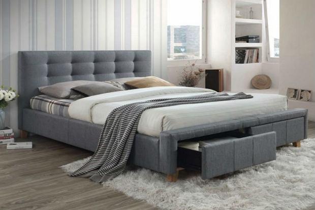 Łóżko idealne do sypialni - tapicerowane, drewniane, kontynentalne. Zobacz nasze propozycje