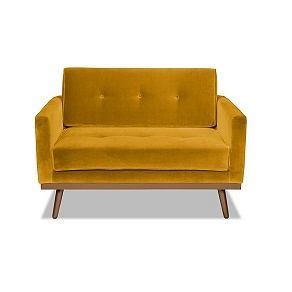 Fotel w kolorze musztardowym bije rekordy popularności