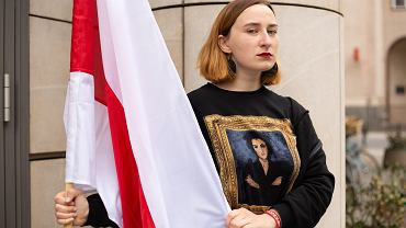 Bażena Szmowicz rozpoczęła protest głodowy przed budynkiem przedstawicielstwa Komisji Europejskiej w sprawie Romana Protasiewicza i represji na Białorusi