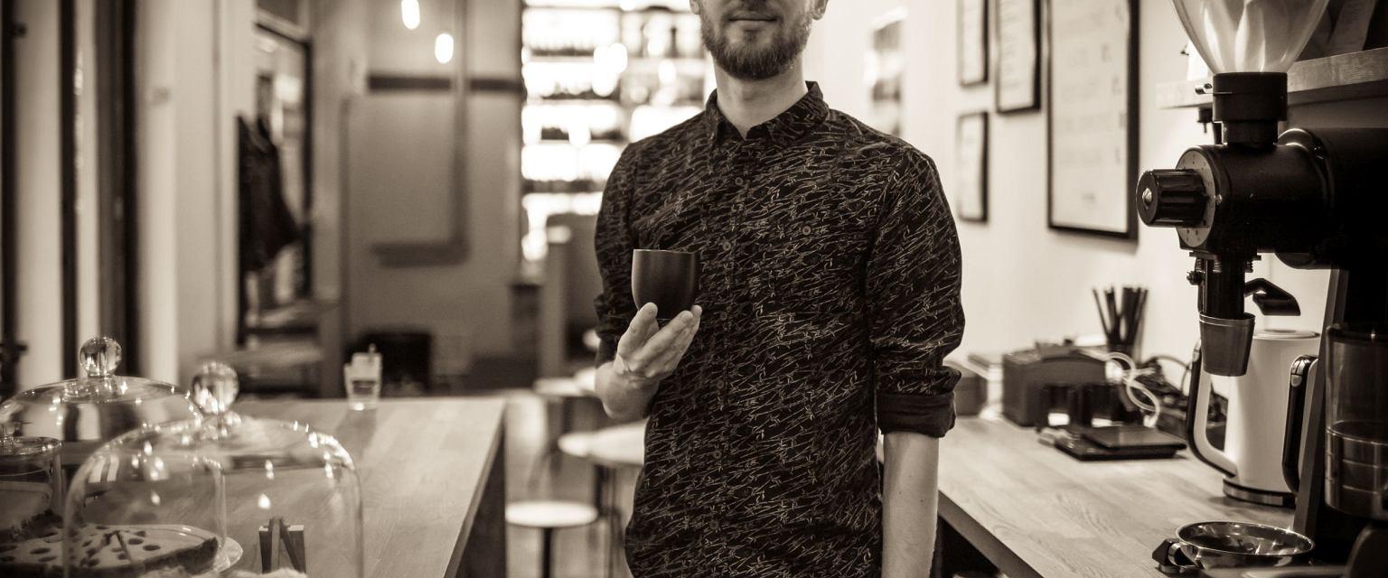 Barista Sławomir Saran (fot. Albert Zawada / Agencja Gazeta)