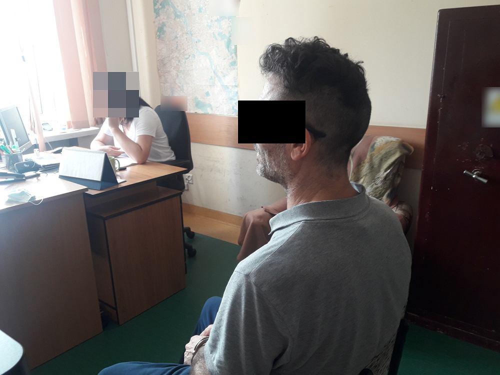 50-letni Brytyjczyk zatrzymany po tym, jak zdemolował i podpalił hotelowy pokój w Warszawie.