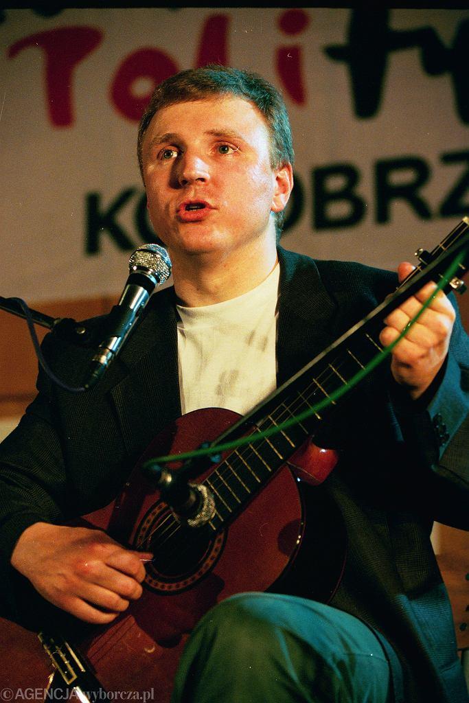 Jacek Kurski w 1997 roku podczas Antykomunistycznego Festiwalu Piosenki Politycznej.